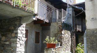 Casa Indipendente in Vendita in Via Zanotti 4 a Mergozzo